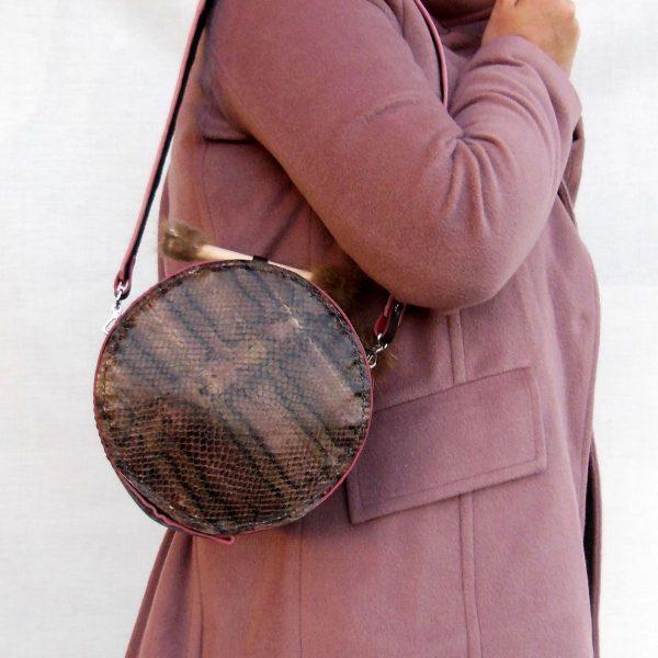 Bolso de piel hecho a mano en Españaalt=bolso esfera E-002 en piel serpiente y pelo de zorro