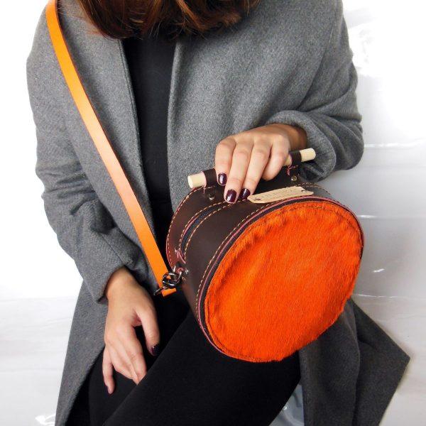 alt=bolso esfera chocolate y naranja E-001bolsos modificada 2 (10)