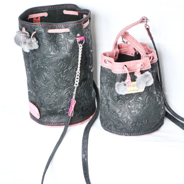 Dos sacos dos tamaños grande y mini