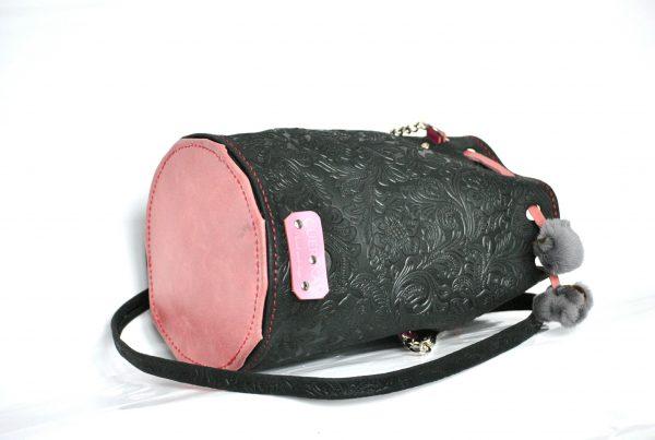 bolso saco negro y rosa
