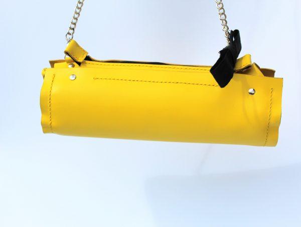 clutch en piel amarillo
