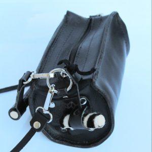 bolso tipo cartera tubo en color negro en piel