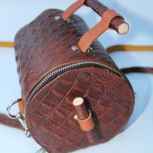 bolso de piel hecho a mano en España