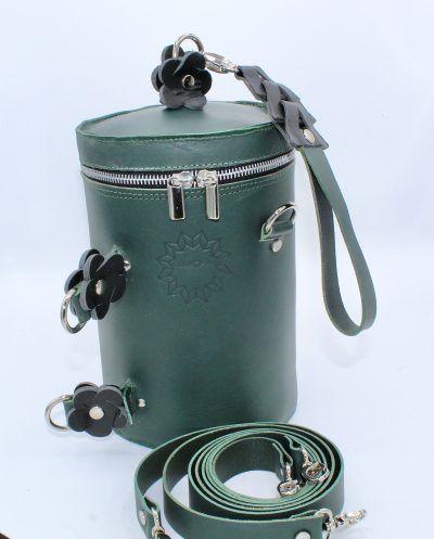 Bolso cilindrico en piel verde