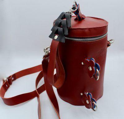 Bolso cilindro color cereza