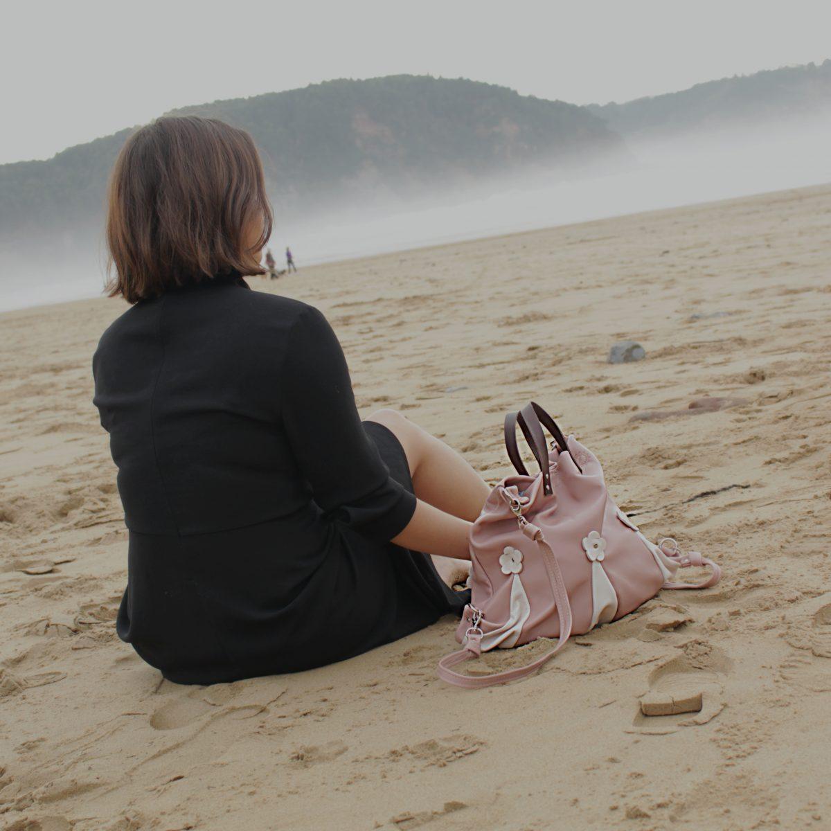 Mochila de piel cordero rosa nude