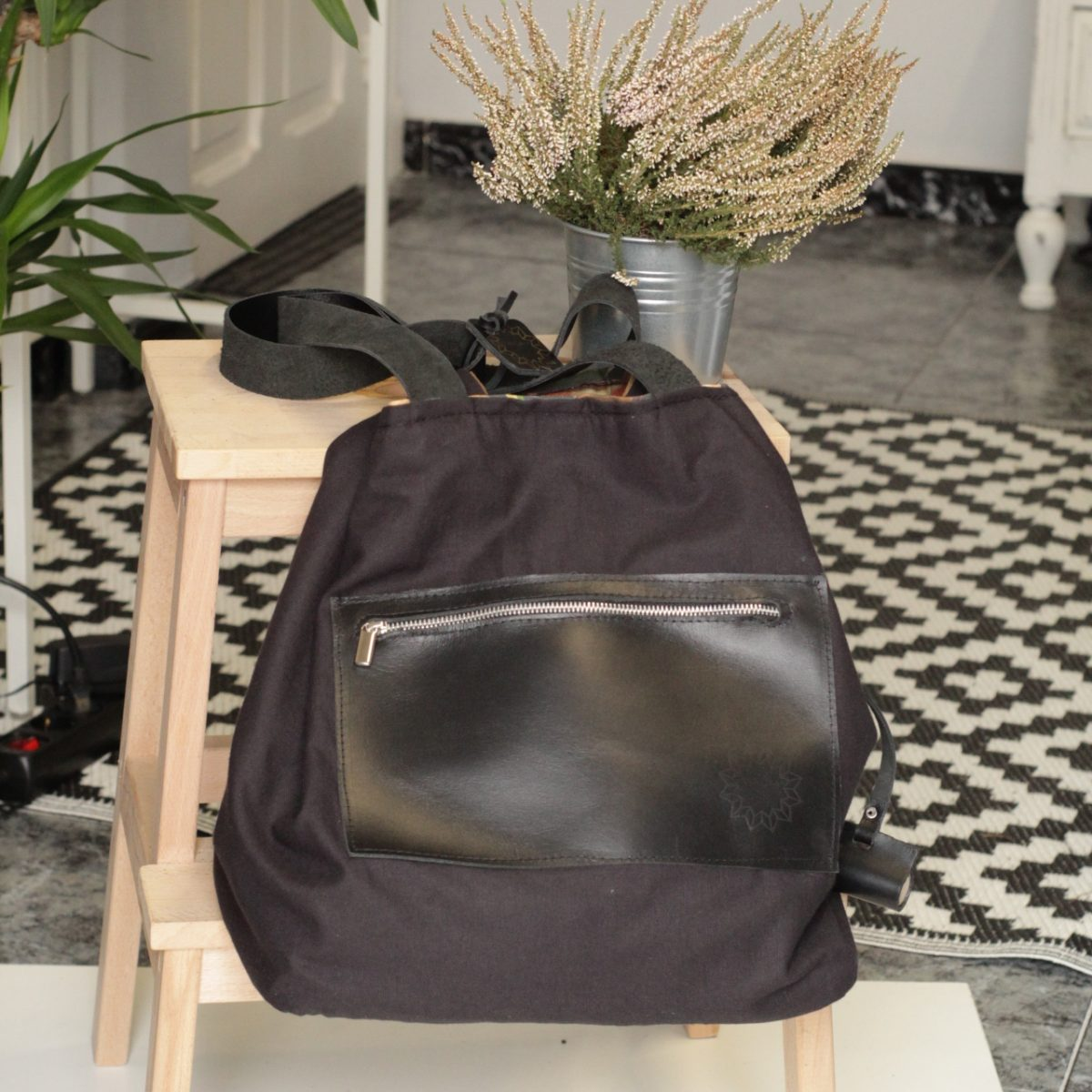 Bolso de algodon organico certificado sostenible y reversible dos bolsos en uno